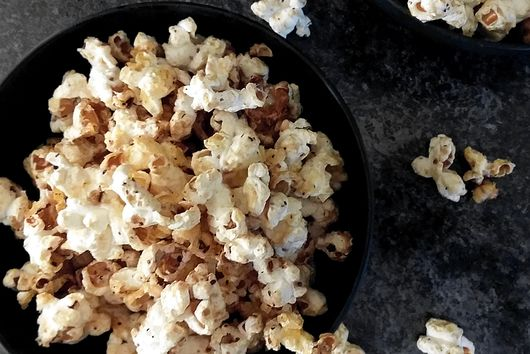 Mulled Sweet Popcorn with Ham Drippings