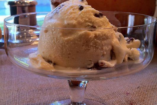 Black Strap Rum Raisin Ice Cream with shortcakes