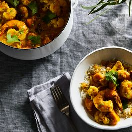 589ad771 c517 4f56 a9a9 c5372c791369  2017 1128 indian shrimp curry with cauliflower and pumpkin 3x2 rocky luten 019