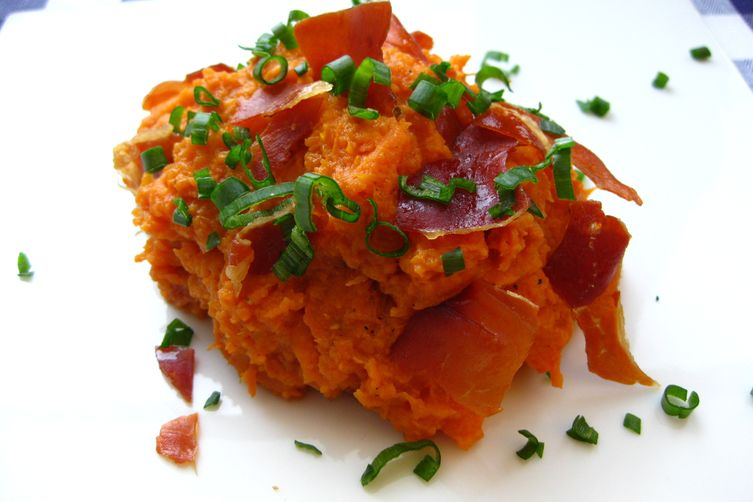 Maple Mashed Sweet Potatoes with Crispy Prosciutto