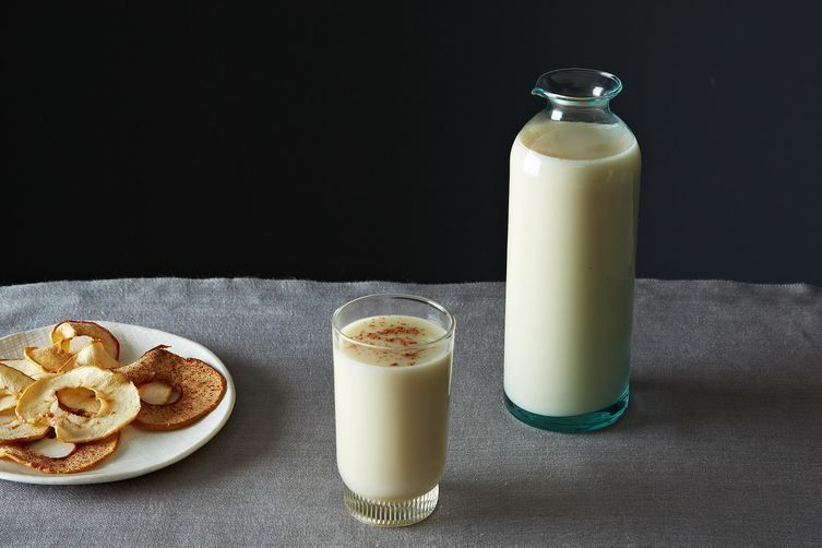A Complete Guide to Nut, Seed & Grain Milks (& a Muesli Recipe to Get You Started)