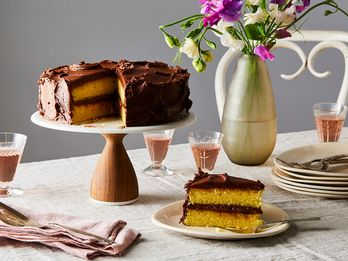 The Best Yellow Cake Borrows a Trick From the Box