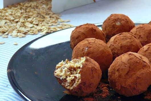 Muesli Balls with Figs