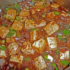 TOFU IN A BLACK PEPPER SAUCE