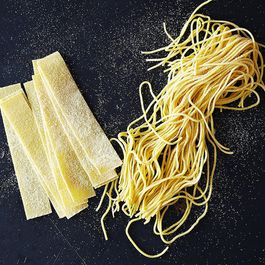 2ac009bb 6680 46e5 a2e3 887dc6da8da9  making fresh pasta