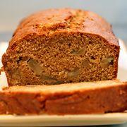 67e0c1e6 86e1 435f a138 a976f4a6211f  pear cake pic1