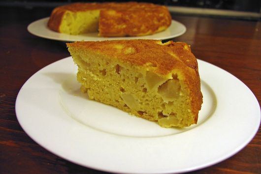 Apple Cornbread Cake