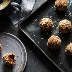 The Cutest, No-Bake Carrot Cake Ball Pick-Me-Ups