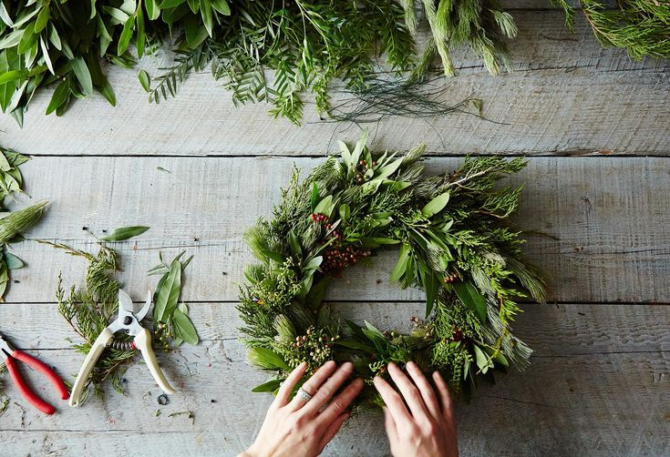 How to Make a Wreath, Step by Step