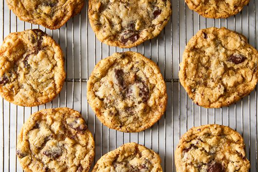 Aunt Lolly's Oatmeal Chocolate Chip Cookies