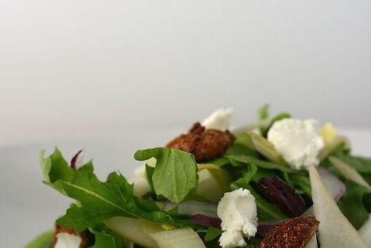 Endive and Spicy Pecan Salad