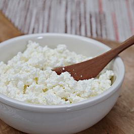 Homemade ricotta - with cow's milk or goat milk