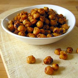 6146df99-cc0a-479a-a422-8f78bf90d99c--toasty-roasted-chickpeas-1