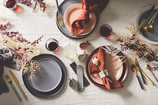 15-Minute Thanksgiving Table Settings That Prove Less Is More