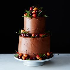 5 Easy Wedding Cake Decorations You Can Do Yourself