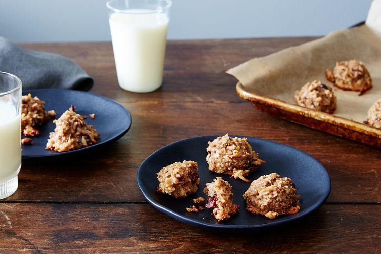 Cracklin' Coconut Cherry Macaroons