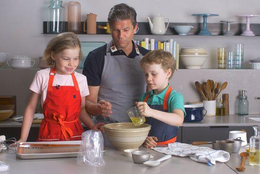 David Burtka's Favorite Pasta Sauce & Why He Makes Bacon Popcorn With His Kids
