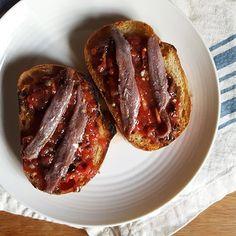 Crostini con Salsa Puttanesca (Crostini with Fresh Puttanesca Sauce)