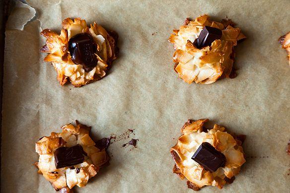 coconut chocolate macaroons