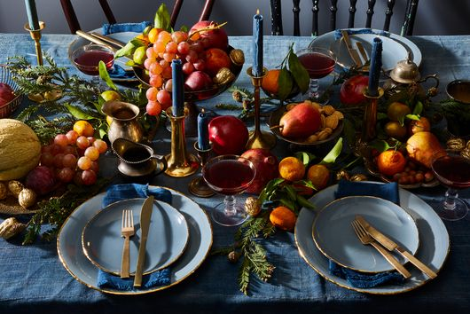 A Foolproof Thanksgiving Table Setting, According to My Mom