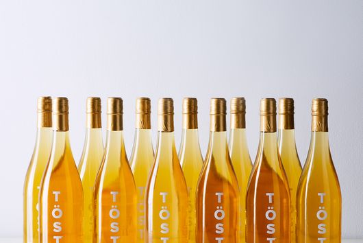 TÖST Non-Alcoholic Sparkling Beverage (12-Pack)
