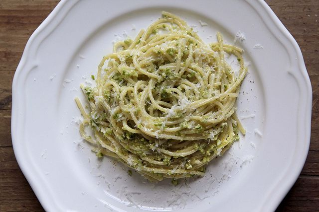 How to Make Garlic Scape Pesto