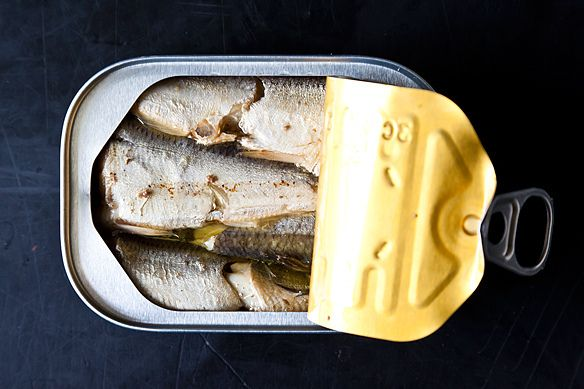 how to eat canned sardines