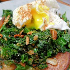 Almond & Garlic Kale with Sauté Potatoes & Poached Egg