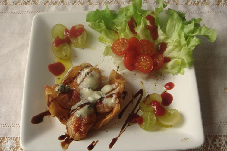Roasted Figs and Gorgonzola in Fillo dough baskets