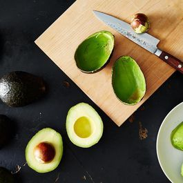 A Trick for Transforming Unripe Avocados in Just Two Hours