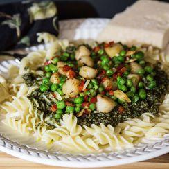Bay Scallops and Peas in Pesto Sauce on Rotini Pasta