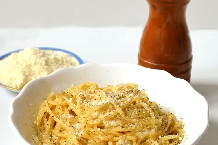 Easy Black Pepper & Parmesan Pasta