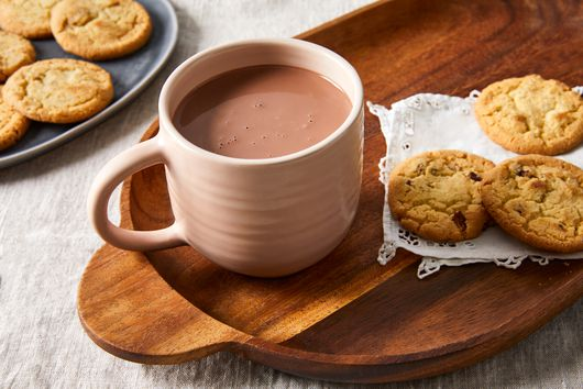 These 9 Cozy Drinks Are a Cookie's BFF