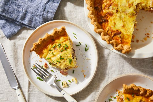 Ham Quiche With a Cheese Cracker Crust