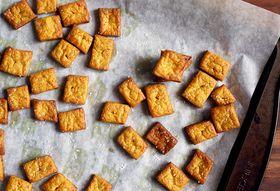 9fb195eb 6443 45d9 b159 ceb700c121cd  crackers