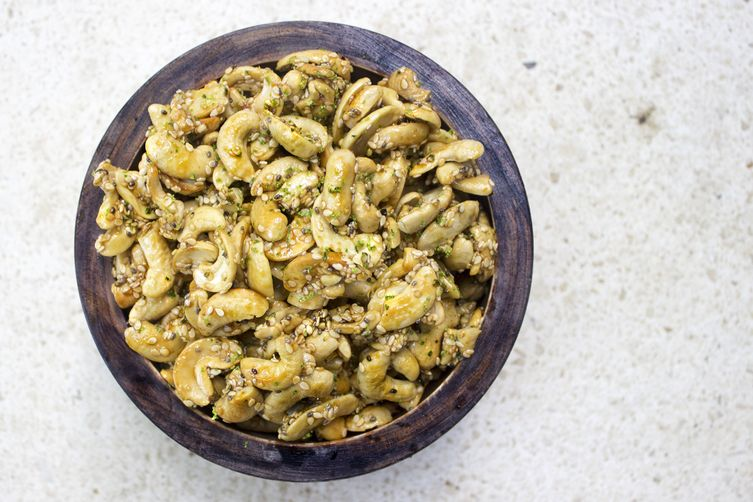 Asian-Style Roasted Cashews