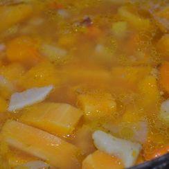 Last minute vegetable soup (yellow-orange version)