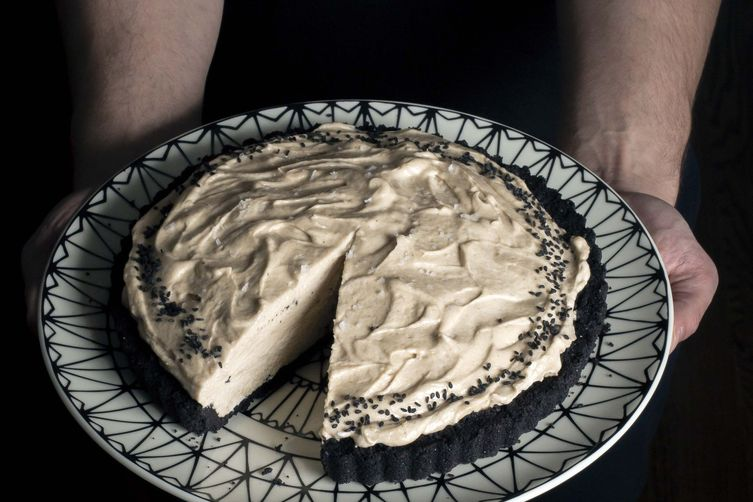 Tahini Mousse Pie