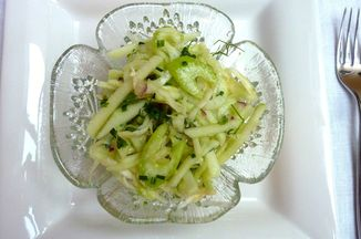 27ebd67f-2f8f-432b-9a4b-b798acced067--apple_and_2_celery_salad_picniked