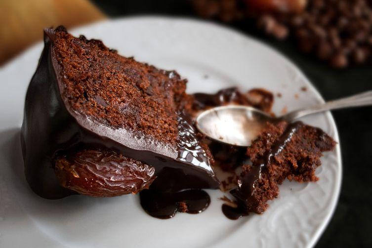 Whole Dates Cake Recipes
