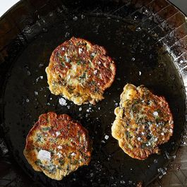 1a9eb07b 2c60 41ad b7e7 e7ced93a35e8  frying pancakes