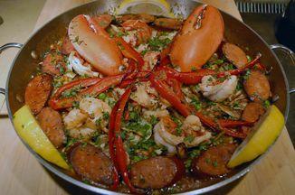 6b24248e 9d7c 46ae b62c e18f682ee44f  lobster paella pan