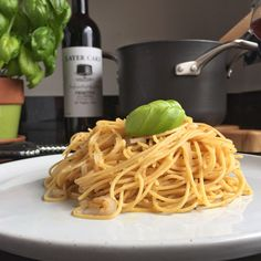 Simple Pasta with Garlic and Oil