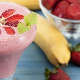Fff5e682 682e 43c3 84e2 cbc5bd25c79a  strawberry banana shake 162181250 760x428