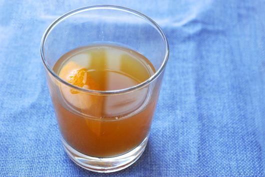 Vanilla-Pear Bourbon Cocktail