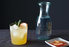 B8543fbc b544 472d 9cda 584dc3e54f99  2013 0916 jenny grapefruit terragon gin tonic 015