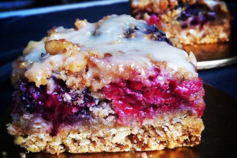 Ginger, Berry, Nutty Crisp