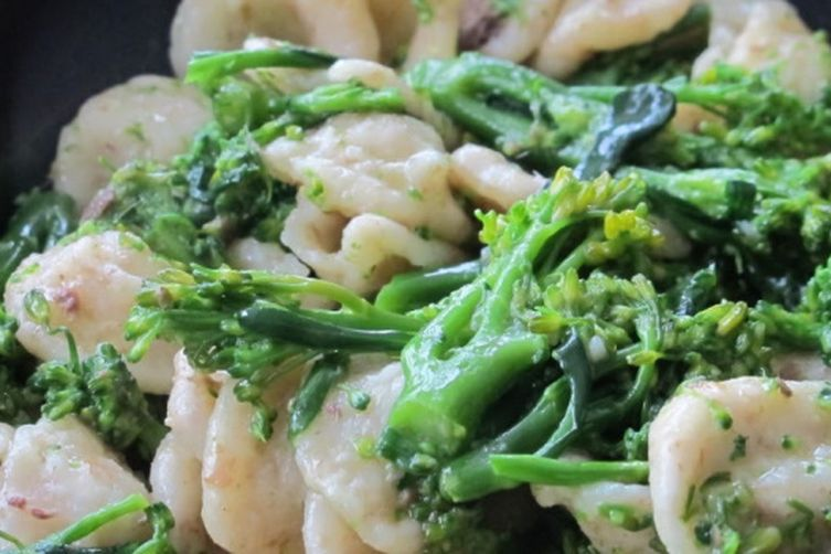 Orecchitte with broccoli rabe