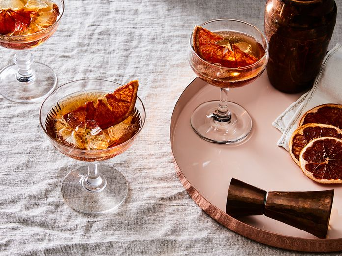 A Bold Party Cocktail (Plus Crowd-Pleasing Snacks To Balance The Booze)