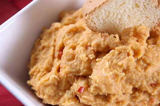 Red Tuscan Hummus